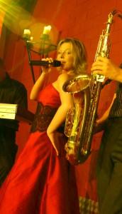 Annett singt auf Party