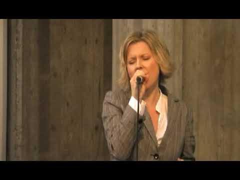 """Hochzeitslied Hochzeitssängerin Annett """"Wo ich auch stehe"""" (A. Frey) Cover Annettmusic.de"""