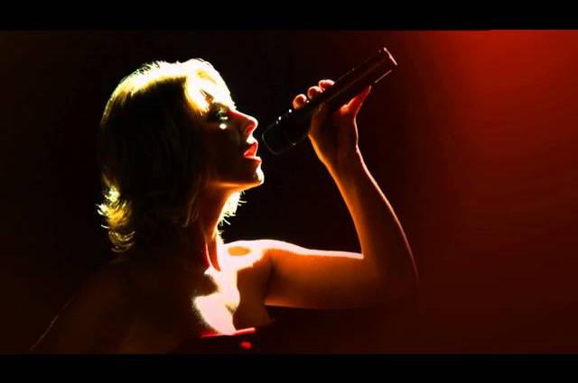 Hochzeitstanz – Medley als Showeinlage LIVE Cover von Sängerin Annettmusic.de